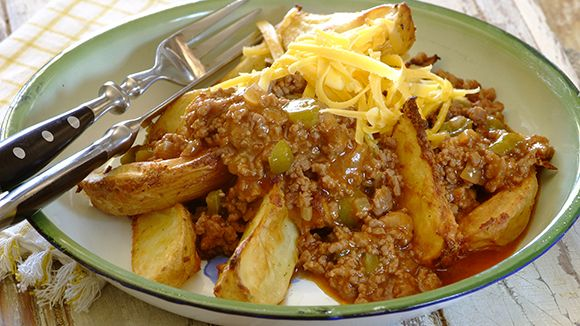 Sloppy Joes with crispy garlic potato wedges