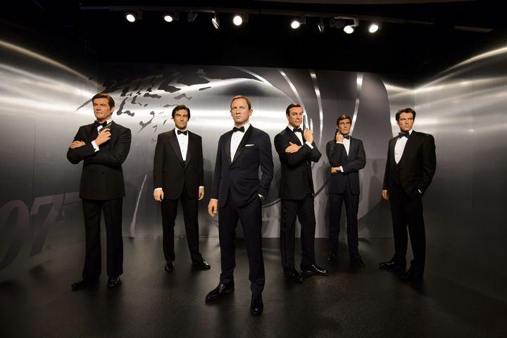 「マダム・タッソー」展示に先駆け、歴代ジェームズ・ボンド6人が「バーニーズ」に集結   「バーニーズ ニューヨーク」六本木店・銀座本店の2店舗では、それぞれ1月21日(土)~25日(水)と1月27日(金)~30日(月)の期間、映画『007』の歴代ジェームズ・ボンド6人(ショーン・コネリー、ジョージ・レーゼンビー、ロジャー・ムーア、ティモシー・ダルトン、ピアース・ブロスナン、ダニエル・クレイグ)の等身大フィギュアの展示を行う。  これらのフィギュアは、体験型アトラクション施...