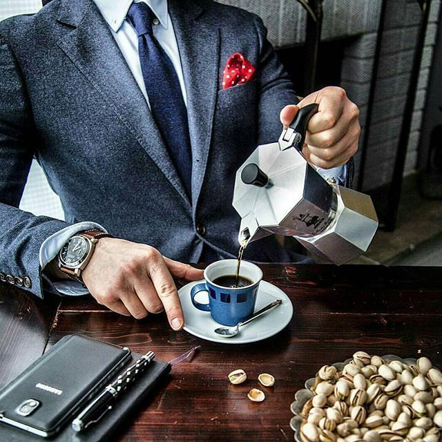 Coffee time #bow#elegance#smart#bowtie#tie#men#homme#gentleman#gentlemens#gq#noeudpapillon#mensfashion#noeud#cravate#dapper#dandy#fashion#outfit#mariage#wedding#suit#man#famous#chic#musthave