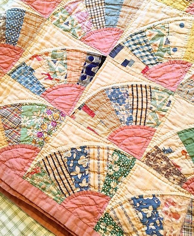 This looks like a vintage quilt, but there\u0027s no link, so who