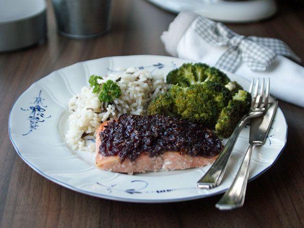 Salmon with Mustard Onion Glaze (Lachs mit Senfkruste)
