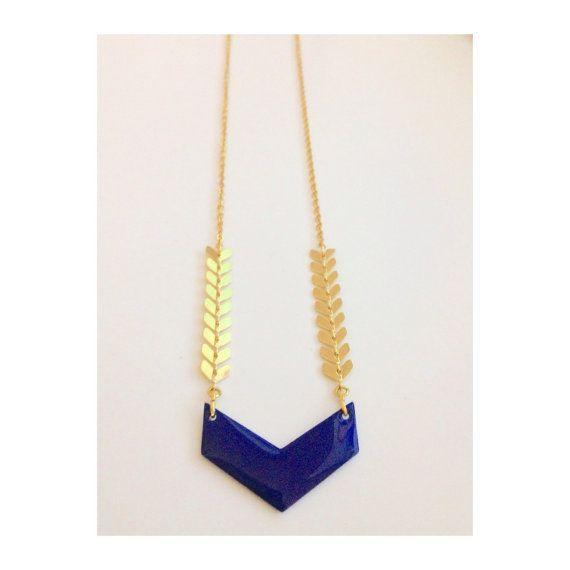 """Collier / Sautoir """"Ely"""" - Triangle bleu - Chaîne épis dorée -  Bijoux G.emma - Bijoux minimalistes et fantaisies - pierres semi-précieuses"""