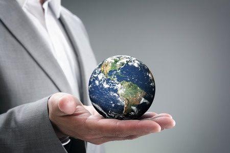 Innovativiteit  Innovativiteit is belangrijk voor een bedrijf om de concurrentie voor te blijven.  Er zijn zelfs organisaties die zich door de aard van hun werkzaamheden altijd bezighouden met innovatie omdat ze op de toekomst en op nieuwe ontwikkelingen gericht moeten zijn. Denk hierbij aan wetenschappelijke instituten, denktanks en onderzoeksbureaus van politieke of sociale organisaties. Voor hen is innovatie van groot belang om levensvatbaar te blijven.