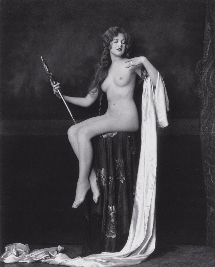Penny singleton nude pics with