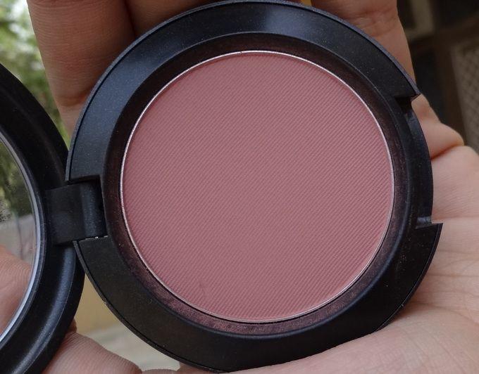 MAC Mocha is a matte, plummy dusty pink blusher