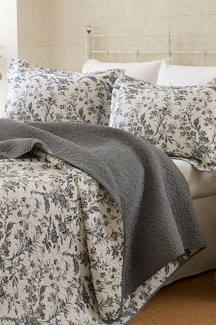 Black and white floral bed sheets - Amberly Quilt Set Black On Hautelook Floral Beddingwhite