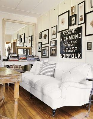 black and white: Decor Ideas, Living Rooms, Galleries Wall, Black White, Frames Collage, Frames Wall, Pictures Frames, Pictures Wall, Wall Arrangements