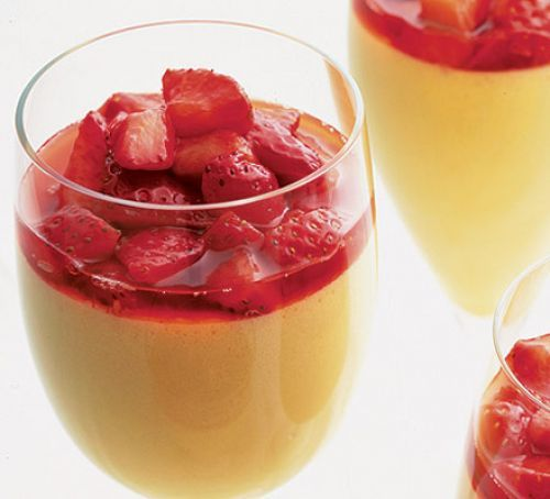 Chilled strawberry & Pimm's zabaglione
