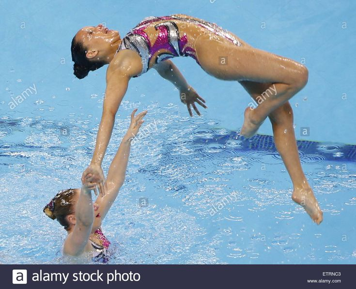 Baku, Azerbaijan. 15th June, 2015. Swimmers of Great Britain compete in the women's team synchronised swimming event during the 2015 European Games, at the Baku Aquatics Centre. © ITAR-TASS Photo Agency/Alamy Live News