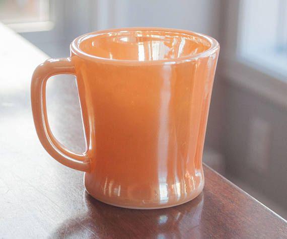 Tasse orange Fire King orange lustré vintage
