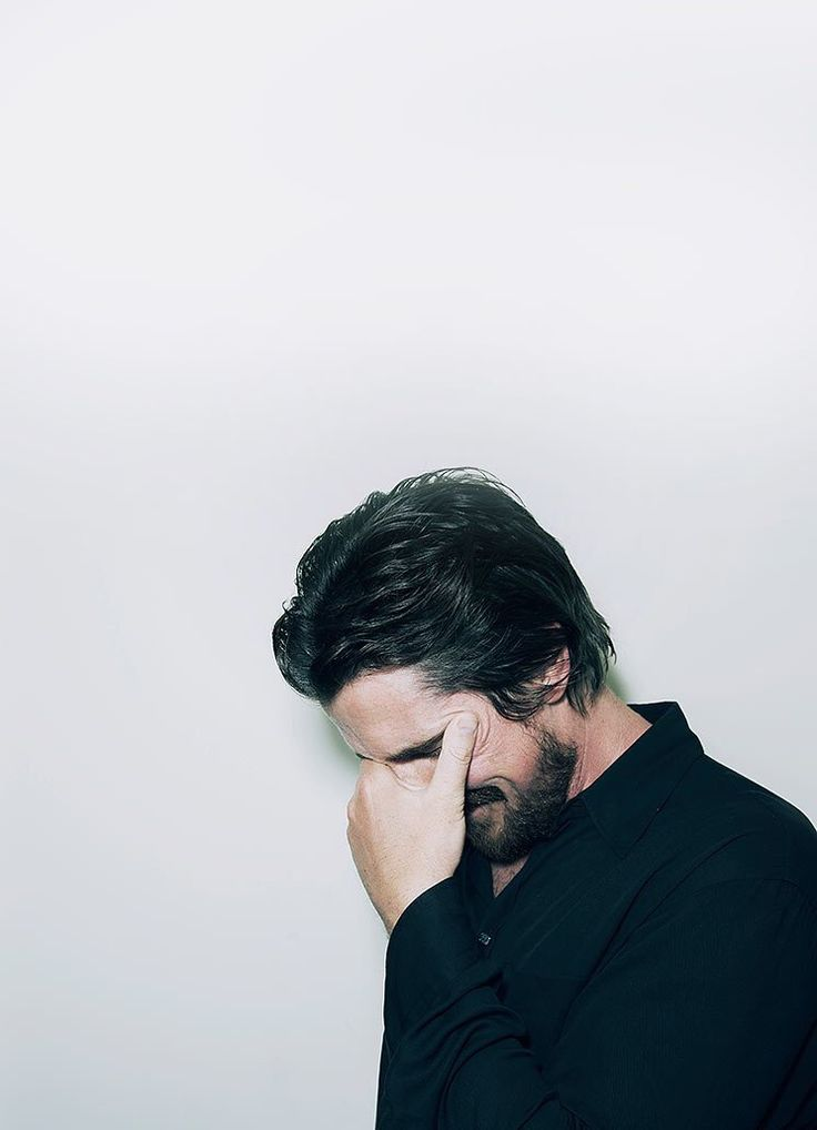 """Christian Bale Rindo ou tá chorando?! Brincadeirinhas à parte, simplesmente causou-me um tremendo desconforto ao assisti-lo na pele do malévolo """"Psicopata Americano. Ódiooo..."""