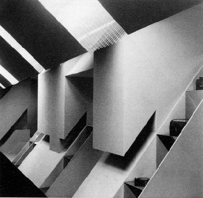 Sistema disequilibrante, I piani inclinati, boutique Mila Schon, Roma, 1971 (foto Ugo Mulas)