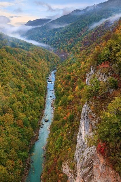 Каньон реки Тара. Самый глубокий в Европе. Второй по глубине в мире после Гранд каньона в Колорадо  #прогулка#дурмитор#черногория#горы#балканы#походы#туризм#альпинизм#скалолазание#долгожители#горцы#отдых#поход#горы#путешествие#путешествия#путешествуем#путешествуй#путешествовать #путешествую#турист#туристы#поездка#отпуск#отпуск2016#отдых #отдыхаем#заграница#тур#путь
