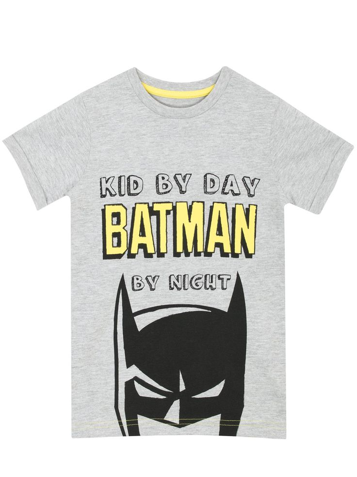 Shop this kids super cool DC Comics top featuring the Batman logo and a detachable Batman cape. Available in sizes 12 Months to 7 Years. Crafted in a rich cotton material.