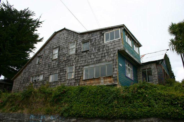 Casa con tejuelas, Ancud. #Chiloé #Arquitectura