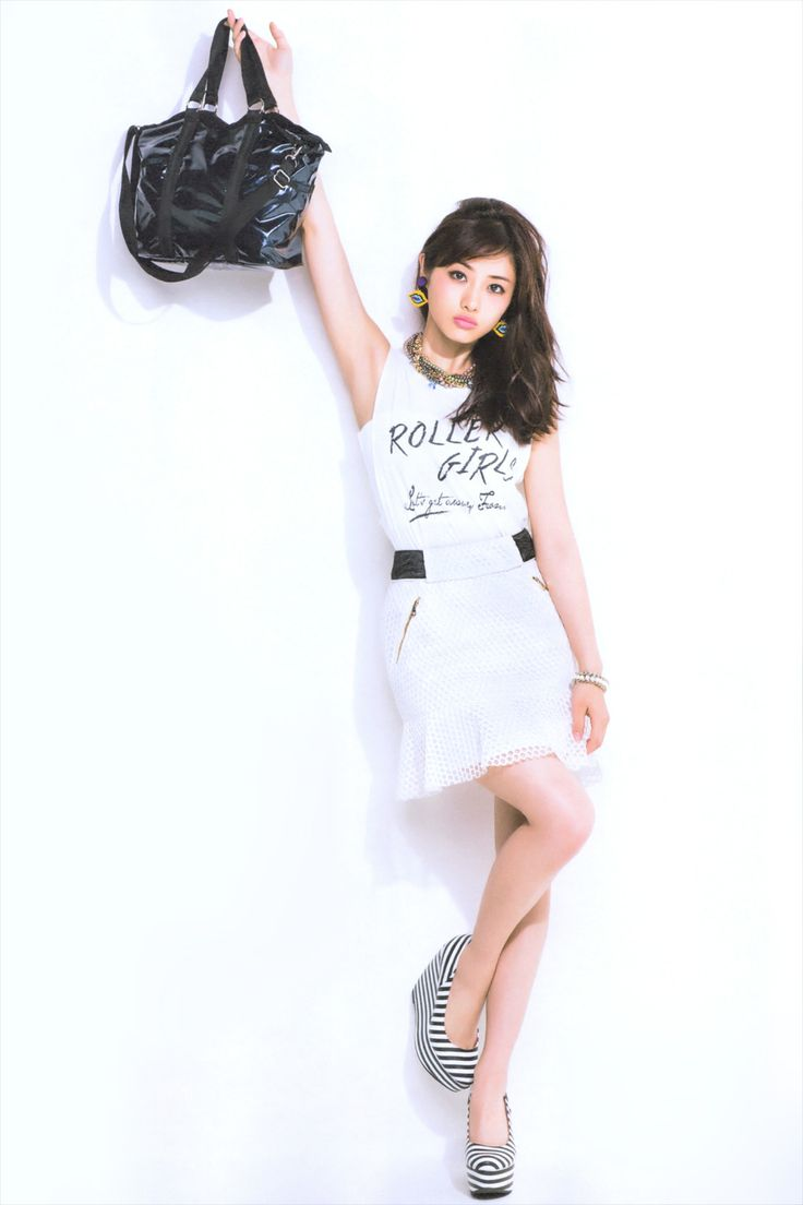 licoricewall:  石原さとみ (Satomi Ishihara): sweet magazine / LeSportsac