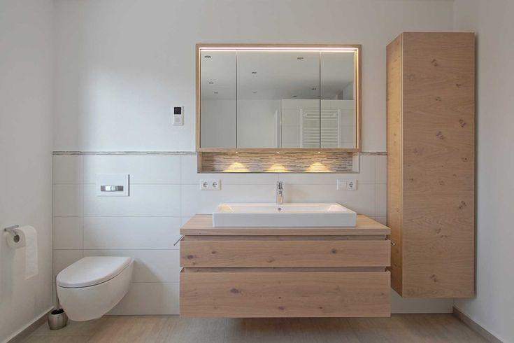 die besten 25 badezimmer spiegelschrank mit beleuchtung ideen auf pinterest g nstige. Black Bedroom Furniture Sets. Home Design Ideas