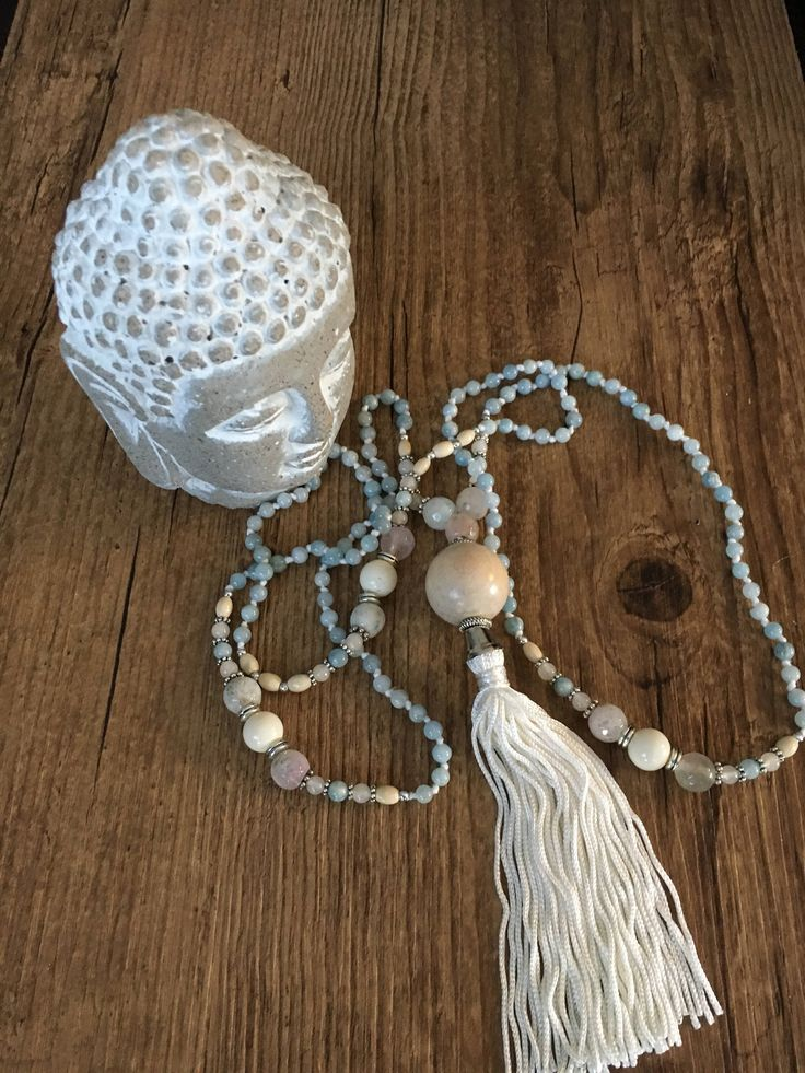 Le chouchou de ma boutique https://www.etsy.com/ca-fr/listing/553074706/serenity-collier-de-meditation-mala-108