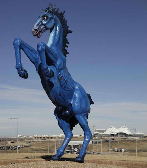 7-manmade-wonders-DIA-horseBig Blue, Bears Shit, Bears Crap, Denver International, Dia Blue, International Airports, Airports Visit, Blue Mustangs, Blue Bears