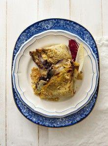 I fagottini di farina di ceci con belga, radicchio e scamorza