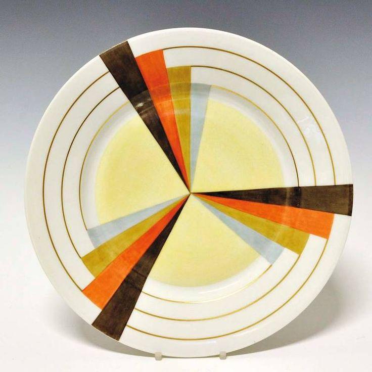 Kubistisk. Med striper skapte Nora Gulbrandsen rom på en flat tallerken.