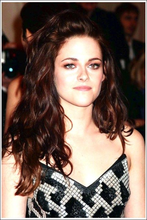 Kristen Stewart Sexy widerspenstige wellige Frisur für langes Haar