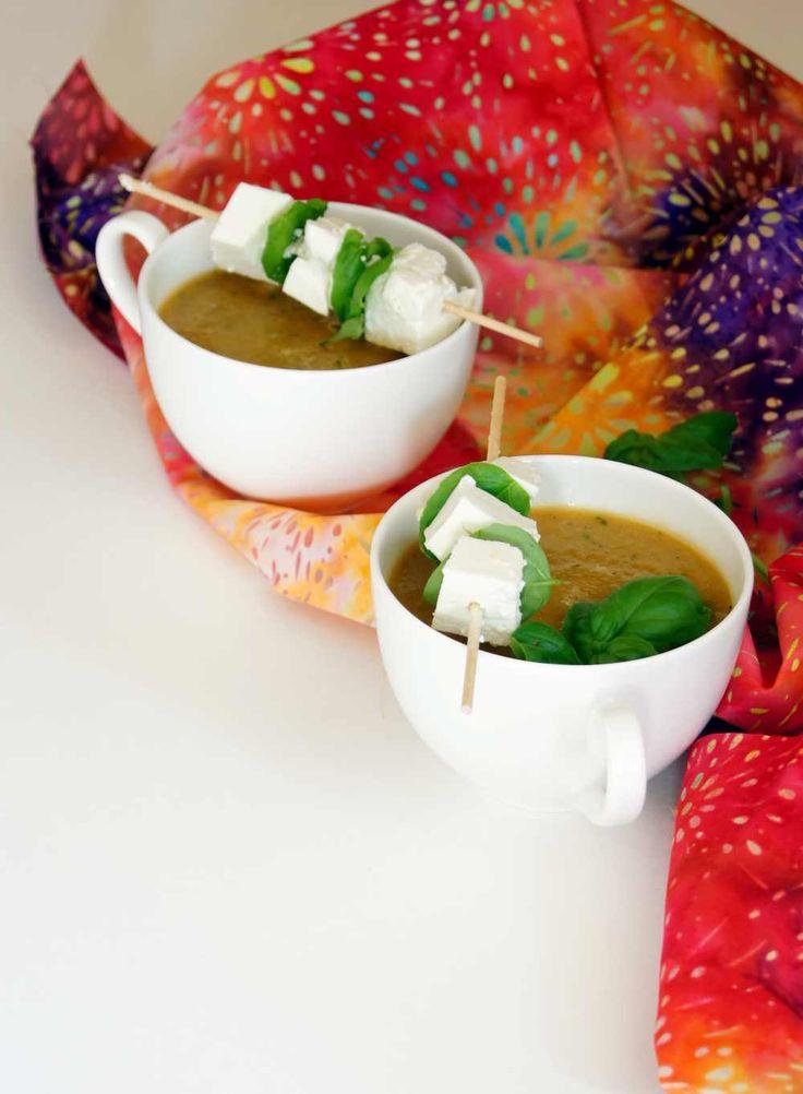 kalte Cantaloupe-Melonen-Suppe mit Basilikum - Rezept