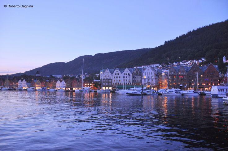 cosa vedere in norvegia: bergen e il centro storico con le vecchie case