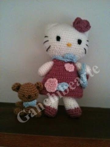 Ganchibearte: Hello Kitty Parisina