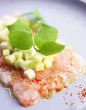 Carpaccio de langoustines, vinaigrette de pomme verte et céleri