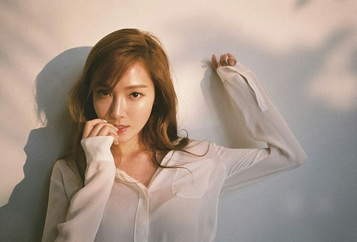 Jessica Jung for her brand Blanc & Eclare.