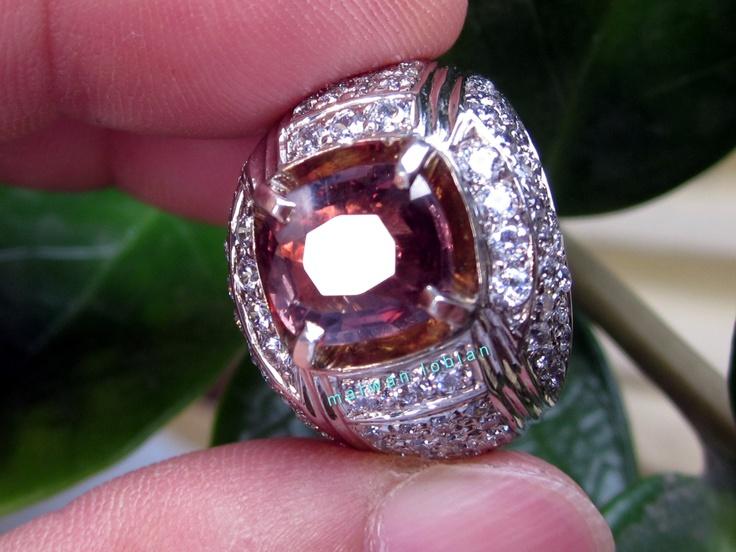 Natural Color Change Sapphire 2.60ct - 9.20 x 8.10 x 3.20mm  Palladium Ring  No Heat -  Sri Lanka