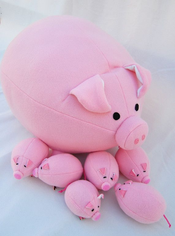 Momma pig, zipper tummy full of piglets with velcro noses - so they can nurse on Mom.  Cute PDF sewing pattern.