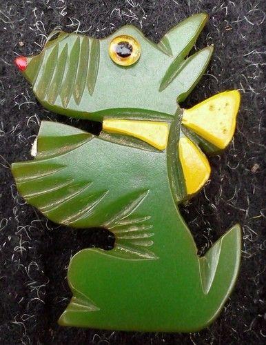 40s VTG Green Bakelite Scottie Dog Pin Deeply Carved Scottish Terrier Google Eye
