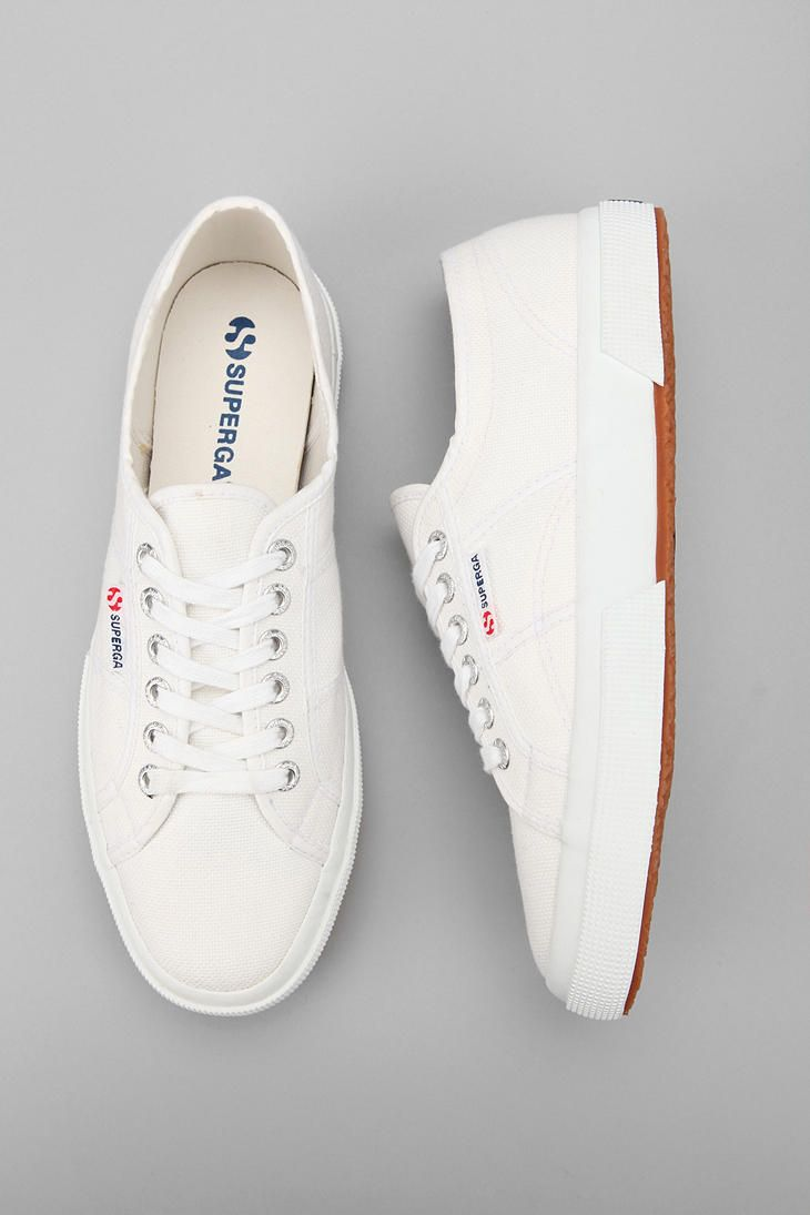 Superga classic sneakers in white. #shoes Photo: urbanoutfitters.com