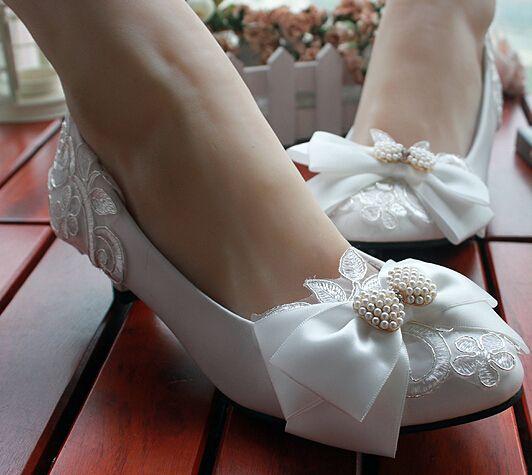 Doux printemps été arc chaussures pour femmes dentelle blanche tous les faits à la main de mariée de demoiselle d'honneur mariée chaussures de mariée perles satin arc WDS 062 dans Ballerines pour femmes de Chaussures sur AliExpress.com | Alibaba Group