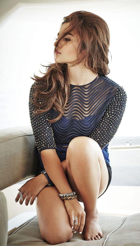 Alia Bhatt Hot & Sexy Scans From Hello Magazine March 2015