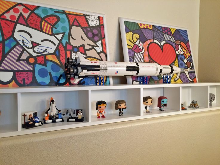 The 25+ best Lego display shelf ideas on Pinterest | Lego shelves ...