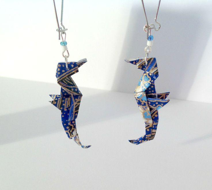 origami boucles d'oreilles hippocampes bleus, bijou origami : Boucles d'oreille par 1000-grues-et-3-donuts