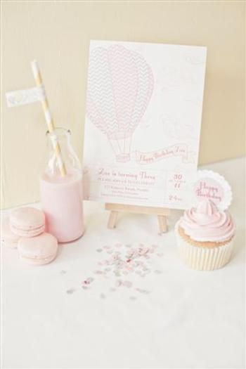 Hostess with the Mostess® - Vintage Hot Air Balloon