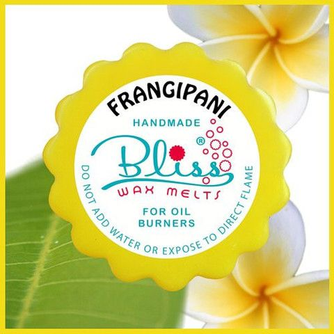Engrossing your senses and carrying a feeling of vibrancy and happiness, the divine scent of a frangipani wax melt will invoke an impression that summer has arrived and it's time to relax by the pool