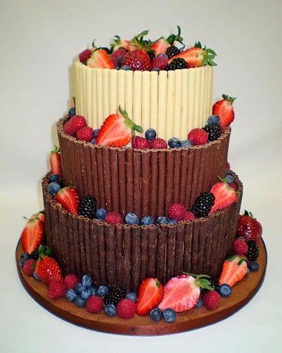 http://www.cakesbysarahlouise.com Chocolate_Fruit_Cake
