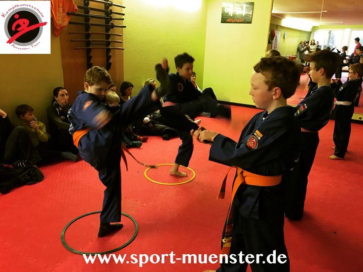 Kicks bei der Gürtelprüfung! #kampfkunstschulemünster #kampfsportM #sports #fitness #münster #kidsmartialarts #kicks #lowcarb
