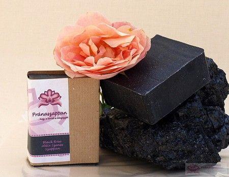 Black Rose, Black Rose aktív szenes szappan. Ez a szappan a zsíros, aknés bőrre készült. A színe eleganciát csempész a fürdőszobádba., Pránaszappan
