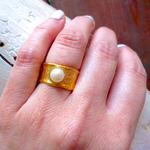 Hey, I found this really awesome Etsy listing at https://www.etsy.com/listing/269457611/hammered-ring-white-pearl-ring