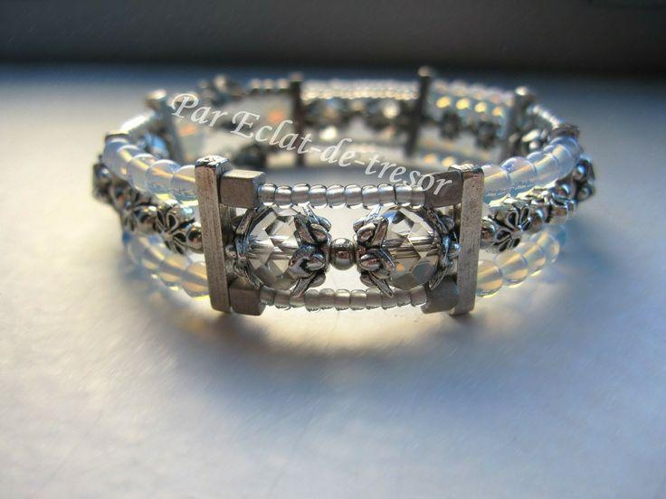 Bracelet Brocéliande connecteur trois rangs, opale via Eclat de tresor. Click on the image to see more!