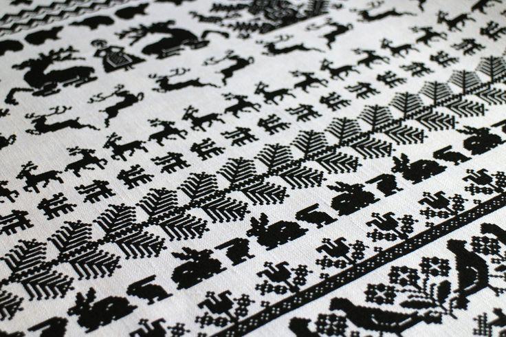 Yö metsässä - design by Saana ja Olli