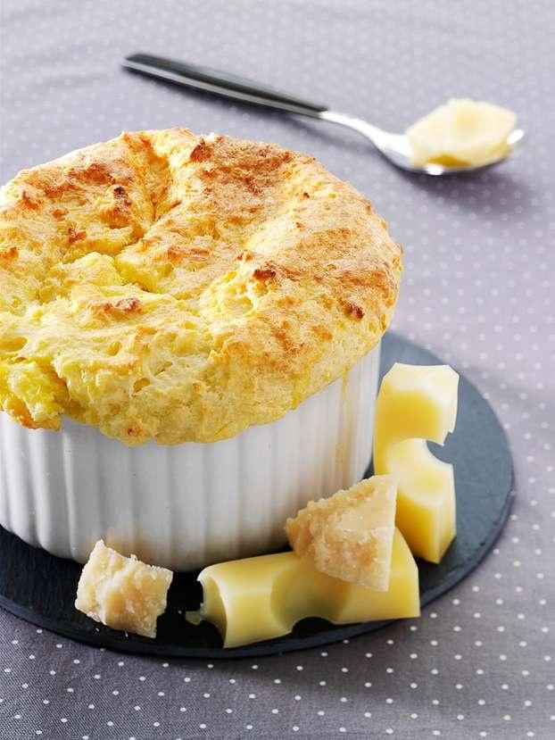 Soufflé di formaggio  http://www.alice.tv/cucina-di-base/souffle-di-formaggio