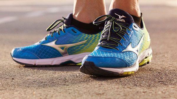 ¿estas pensando comprar unas zapatillas de running? Antes de nada lee estos consejos que te va a ayudar mucho y te va ahorrar disgustos