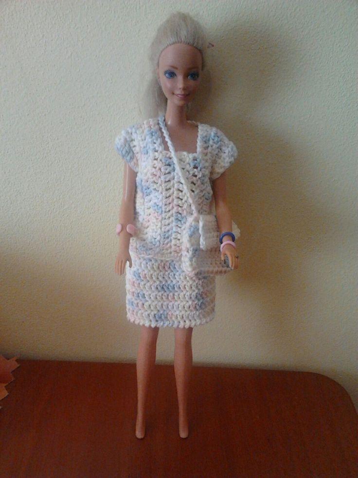 Háčkovaná halenka, sukně a kabelka pro Barbie